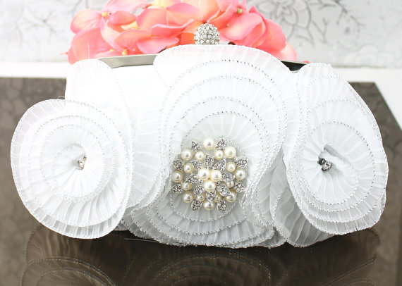 زفاف - Wedding Clutch, Wedding Purse, White Satin Bridal Clutch Crystal Brooch, White Clutch, Bridal Accessories Style-9