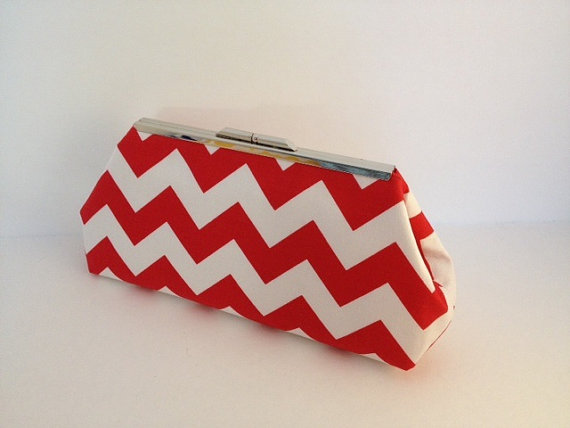 Mariage - Red White Chevron Clutch Purse with Silver Finish Snap Close Frame, Bridesmaid, Wedding, Bridal Party, Special Occasion, Chevron, Red White
