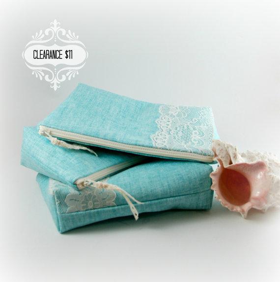 زفاف - Beach Wedding - Vintage Lace and Linen Zipper Clutch - Clearance, Ready to Ship