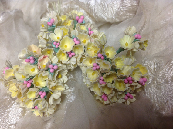 Свадьба - 3 BOUQUETS VINTAGE Millinery Flowers Forget Me Nots Yellow with Pink Composition Buds  for Weddings - Mothers Day & Easter