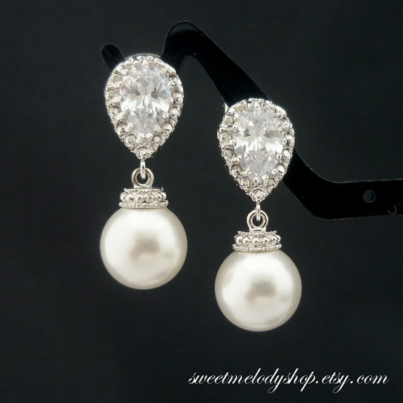 Ivory vs White Pearls Pearl Earrings Ivory White