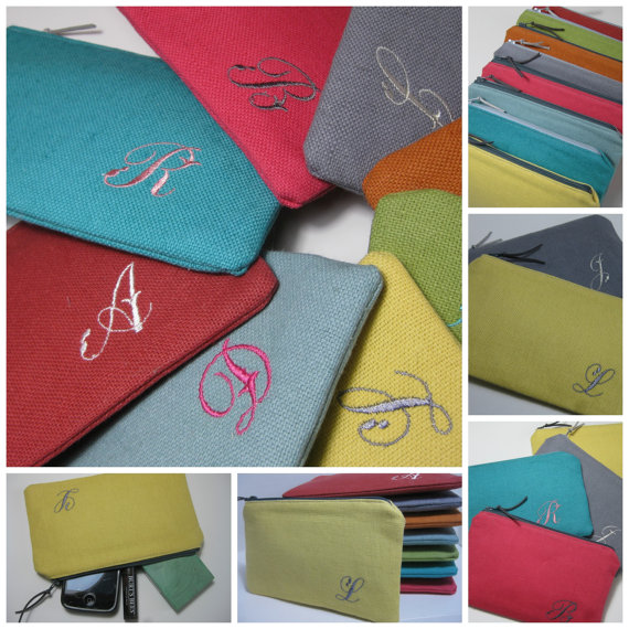 Mariage - Personalized Bridesmaid Gift, Monogrammed Linen Clutch/Make Up Bag, Wedding, Bridal Clutches, Choose Your Colors, Sets of 3, 4, 5