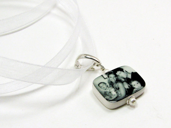 Mariage - BC3R - Bridal Bouquet Charm with Rounded Corners - Small Custom Photo Pendant - Bouquet Jewelry