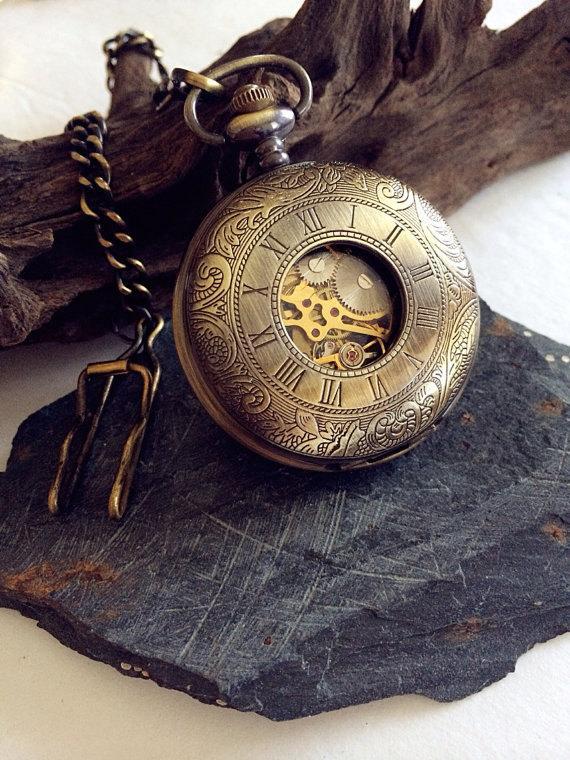 Свадьба - Double Hunter Pocket Watch- Steampunk Mechanical Antique bronze Personalized Groomsmen Gift VM021