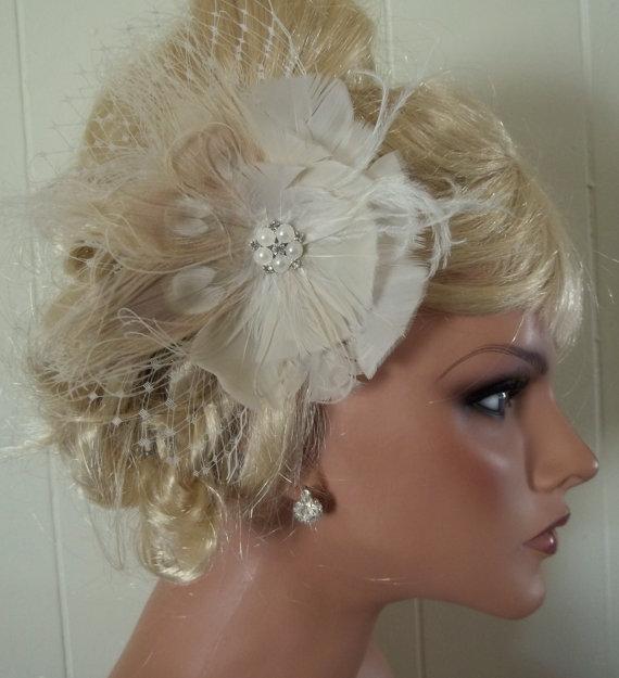 زفاف - Ivory bridal fascinator, hair clip ivory peacock feathers french net pearl rhinestone jewel - wedding accessory