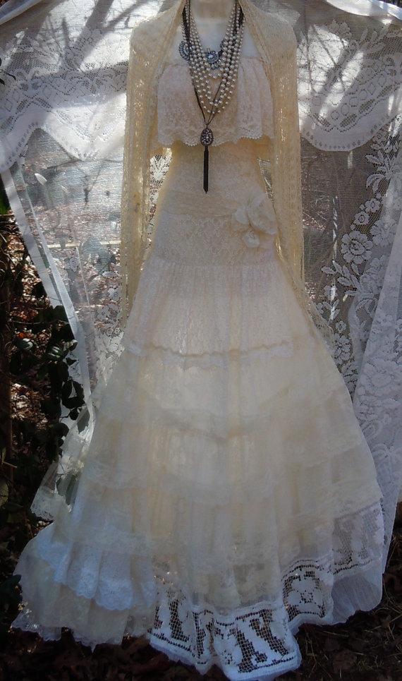 Lace Wedding Dress Boho Ivory Cream Vintage Tulle Bohemian