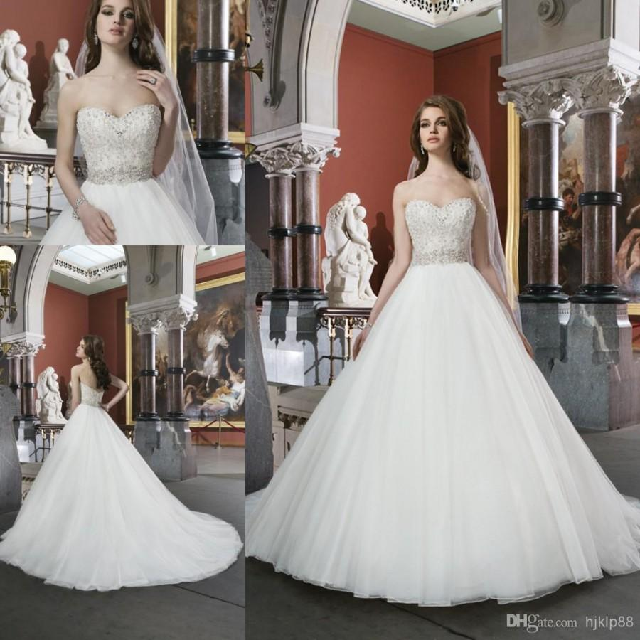2014 New Collection Ball Gown Garden Wedding Dress Bridal Gowns With Sweet Heart White Covered Button Crystal Low Cut Back Court Train 8722 Online
