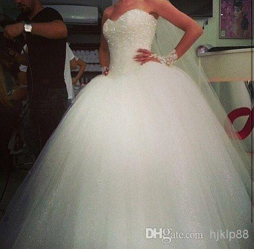 Hochzeit - Sweetheart Custom Made Tulle Big Poofy Ball Gown Wedding Dresses Fluffy 2014 Sequins Shining Vestidos De Novia Ballgown Dress Online with $133.51/Piece on Hjklp88's Store