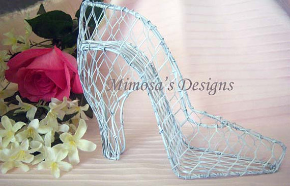Mariage - Wedding Shoe. Bridal shoe. Quinces shoe. Shoe centerpiece. Bridal shower centerpiece.Rustic Wedding. Rustic bridal shower. Rustic decor.
