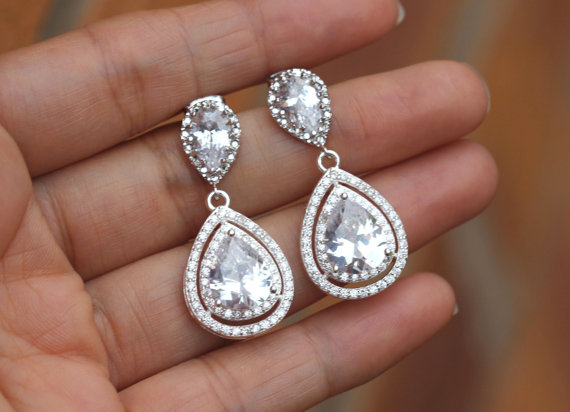 Свадьба - clear bridal jewelry , zirconia wedding earring , bridal drop earring , bridesmaid gift