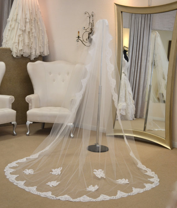 Mariage - Cathedral Mantilla Veil, Lace Cathedral Veil, Cathedral Length Wedding Veils, Wedding Veils Mantilla, Wedding Veils