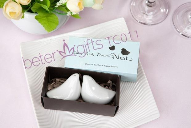 Свадьба - Salt and Pepper Shakers Wedding Favors BETER-TC011