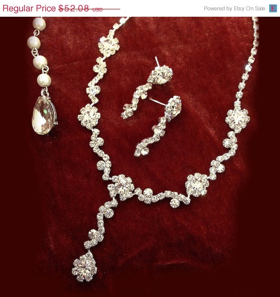 Mariage - Bridal necklace earrings, bridal jewelry set, Bridal back drop necklace ,crystal jewelry, pearl jewelry,bridesmaid jewelry