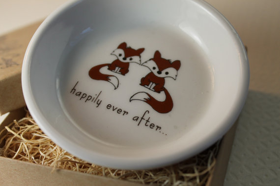 Свадьба - Ceramic Ring Holder - Fox Couple - you choose the sentiment and color