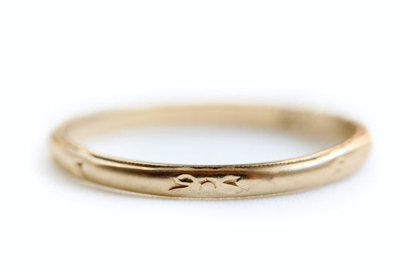 Hochzeit - Recycled 14k Yellow Gold Wedding Band/Stacking Ring - Restored Estate Jewelry