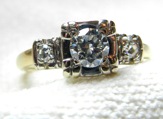 Mariage - Antique Vintage Diamond Engagement Ring 14K Platinum Art Deco Transitional Cut Diamond Ring 1930s Engagement Ring