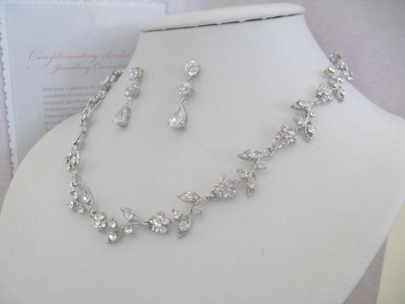 Свадьба - Bridal Jewelry -Bridesmaids Jewelry - Bride Necklace - Rhinestone Floral Bridal Jewely Set- Bridal Accessories- Wedding Jewelry