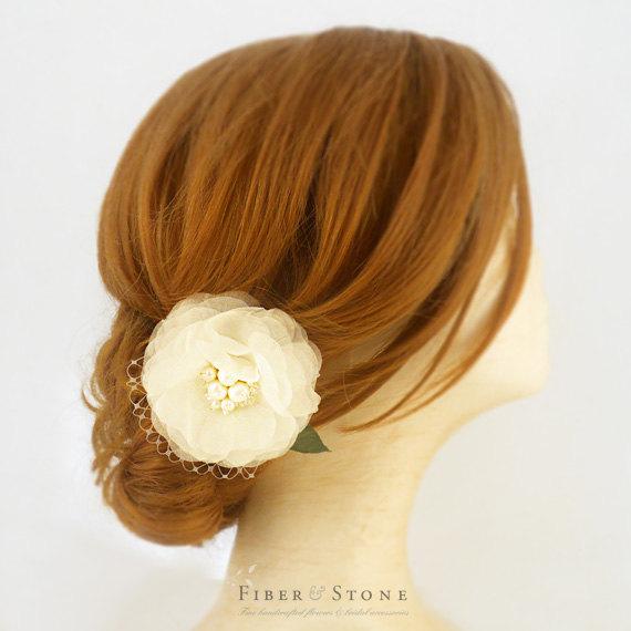 Свадьба - Wedding Fascinator with Netting, Pure Silk Bridal Fascinator Headpiece, Ivory Bridal Hair Flower, Freshwater Pearls, Wedding Hair Accessory
