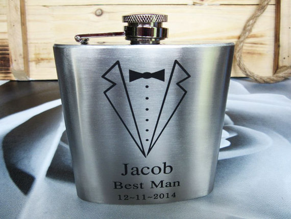 Свадьба - Set of 9 Groomsmen Gift Flask with Tuxedo Design, Best Man, Father of Bride, Father of the Groom, Usher, Master of Ceremonies, Groom