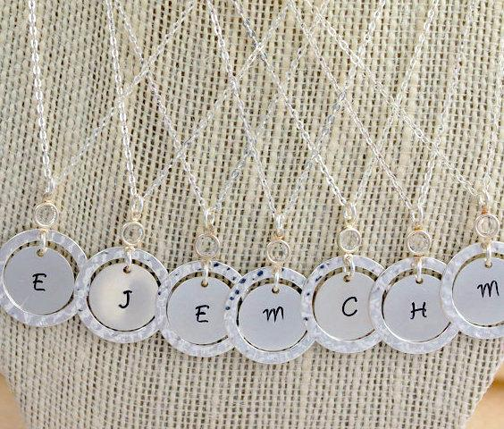 Mariage - Personalized Circle Crystal Necklace, Initial Necklace, Hand Stamped, Initial Disc, Gift for Her, Bridal Party Necklace UNQ155