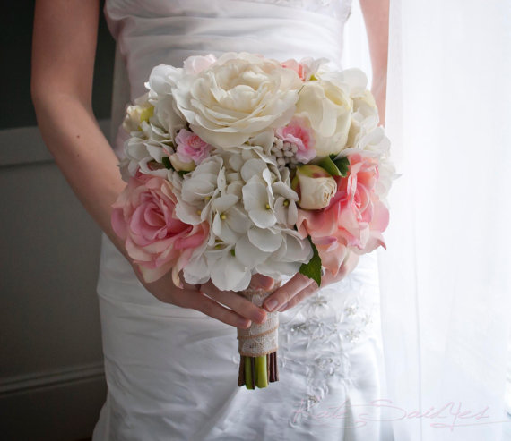 Свадьба - Wedding Bouquet - Ivory and Blush Pink Rose and Hydrangea Wedding Bouquet