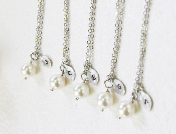 Wedding - Bridesmaid Gift Set- Set of 4, 5, 6, 7 Pearl with personalized initial silver leaf Necklace - S2313-5