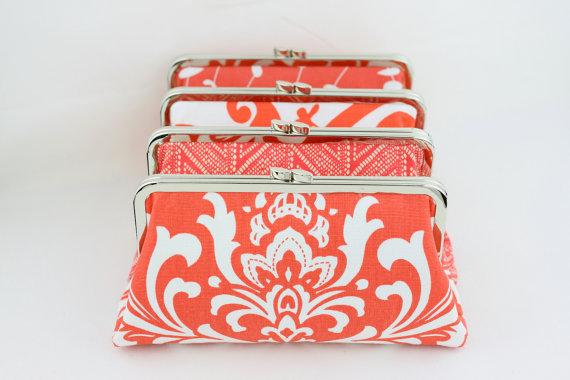 زفاف - Coral and White Bridesmaid Clutch Set / Coral Wedding Clutches / Wedding Gift / Bridesmaid Purses - Set of 4