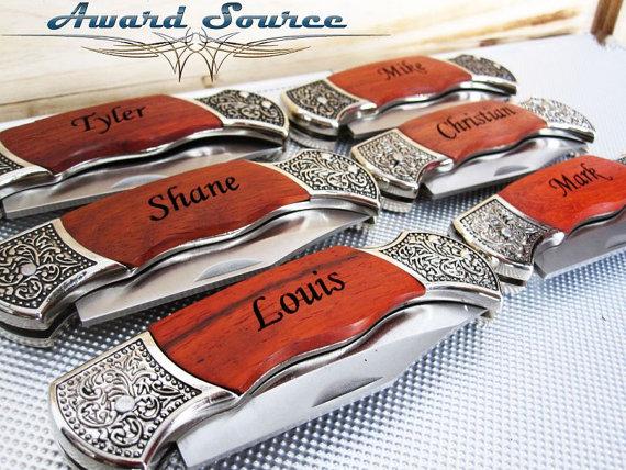 Hochzeit - Groomsmen Gift Knife Groomsmen Gift - Custom Knife, Groomsman Gift Engraved Knife, Best Man Gift, Father of Bride Gift, Father of Groom Gift