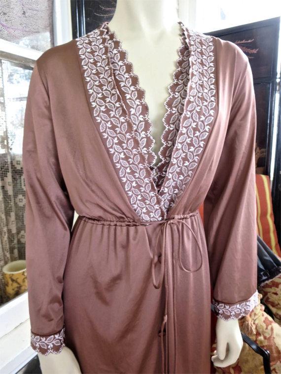 Wedding - 1960s Vintage Cocoa Brown White Embroidery Trimmed Full Length Boudoir Lingerie Two Piece Nylon Peignoir Set 42 Bust