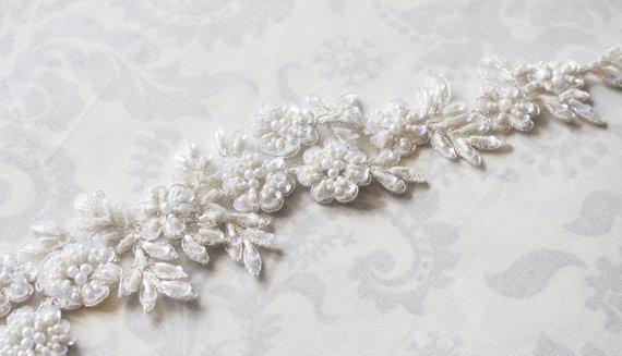 زفاف - Lace Bridal Sash, floral lace wedding sash, ivory sash, white, bridal belt, double faced satin sash with lace - 101S