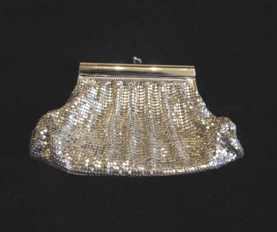 Свадьба - Vintage Purse Whiting & Davis Purse 1940's Silver Mesh Purse Formal Clutch Purse Wedding Purse