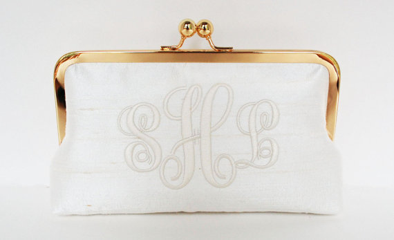 Свадьба - Personalized  brides clutch, bridesmaid clutch, monogrammed clutch , wedding clutch, personalized gifts, brides purse
