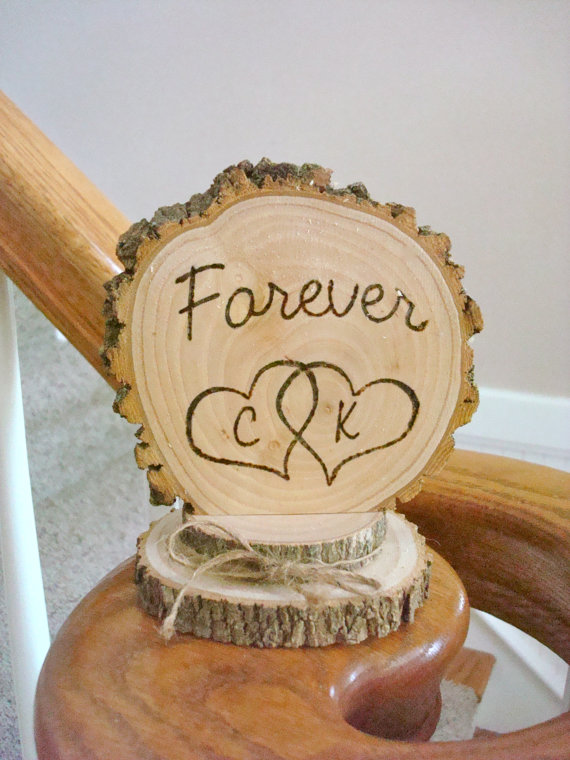 Mariage - Wedding Cake Topper Rustic Wood Personalized Forever Intertwined Hearts