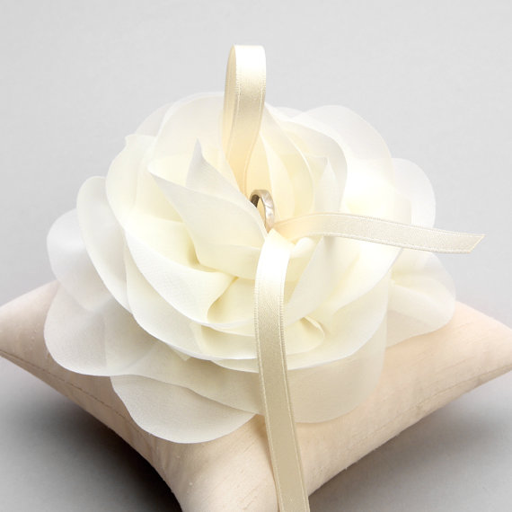 Hochzeit - Wedding ring pillow, bridal ring pillow, flower ring pillow - Aria