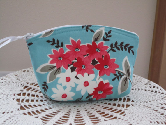 Wedding - Flea Market Clutch Cosmetic Bag  Purse   Wedding Bridesmaid Gift