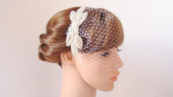 Свадьба - White Bridal Veil Birdcage Veil Wedding Veil with Bow Rhinestone Hair Comb Blusher Veil Short Bird Cage Veil French Netting Veil Hair