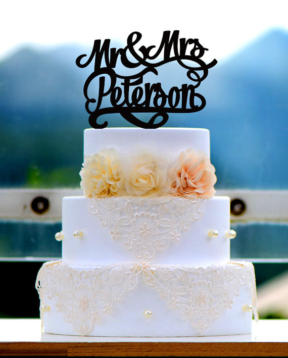Свадьба - Wedding Cake Topper Monogram Mr and Mrs cake Topper Design Personalized with YOUR Last Name 045