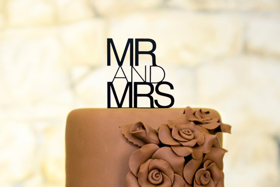Свадьба - Mr and Mrs Cake Topper Contemporary