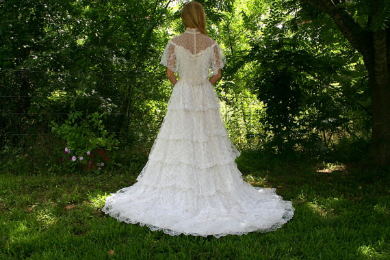 Vintage 70s 80s Wedding Dress ALFRED ANGELO Designer Off Shoulder White Lace Tiered Skirt