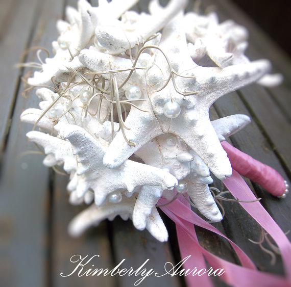 Свадьба - Beach Starfish Bouquet, Bridesmaids Bouquet for Beach Wedding, (Onotoa Rustic Style ) Made to Order Custom Details