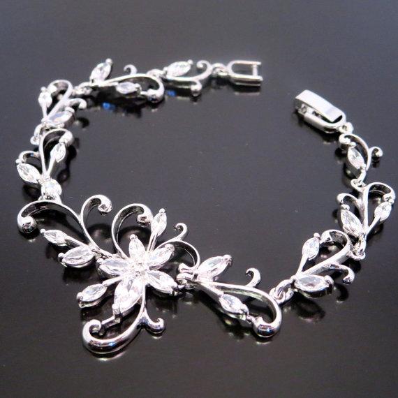Свадьба - Bridal crystal bracelet, Wedding bracelet, Flower bracelet, Bridal bracelet, Bridesmaid jewelry, Cubic zirconia bracelet