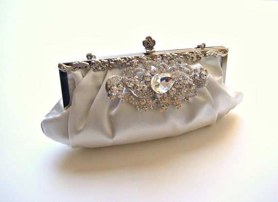 Mariage - Bridal pleated wedding satin clutch purse with glam swarovski crystal jewel.  SPLENDOR