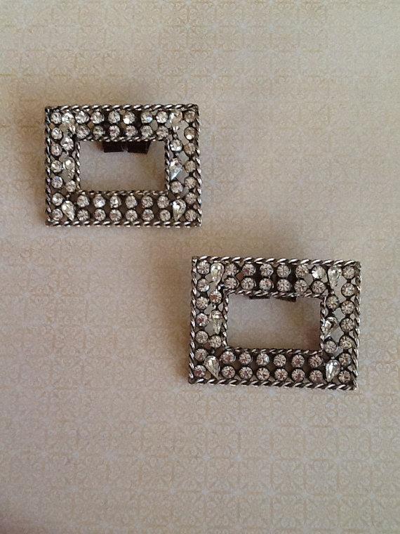 Mariage - Vintage Jewelry Rhinestone Shoe Clips Fabulous teardrop and round stones matching set