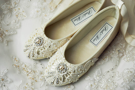 Свадьба - Girl's Shoes - Ballet Flats, Vintage Lace,Wedding Flower Girl Shoes,  With Swarovski Crystals,  The Beth Flower Girl Shoes