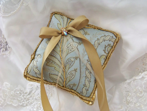 Mariage - Ring Bearer Pillow with Iridescent Vintage Rhinestones and Vintage Sequines in Gold Blue Cream Bollywood