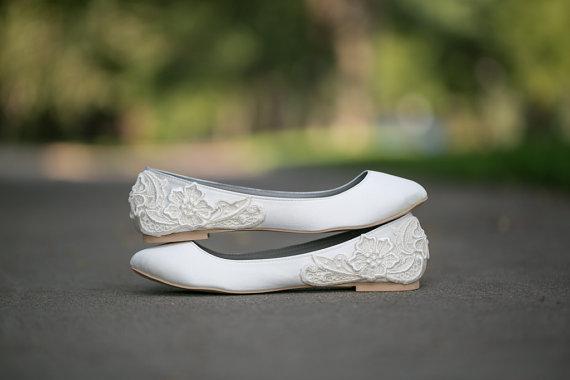 Hochzeit - Wedding Flats - Ivory Wedding Flats/Wedding Shoes, Ivory Flats, Ivory Satin Flats with Ivory Lace. US Size 10