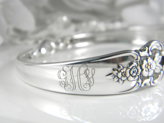 Hochzeit - 4 PERSONALIZED Bridesmaids Bracelets, FREE ENGRAVING, Set Of 4, Bridesmaid Gifts, Spoon Bracelets, Weddings, Jewelry Set, Bracelets