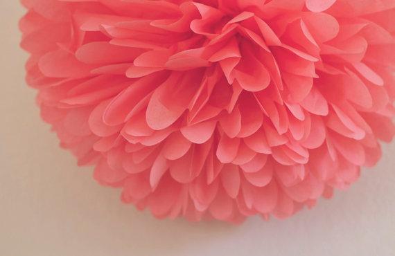 Hochzeit - Coral Tissue Pom Pom .. Wedding Decoration / Bridal Shower / Birthday / Party Decoration / DIY