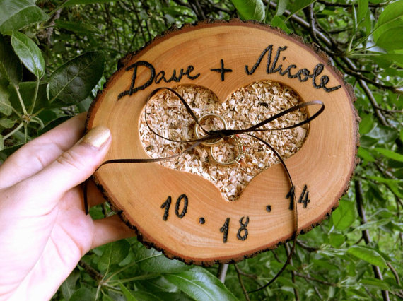 Mariage - Rustic wedding ring bearer pillow holder wooden fall country forest