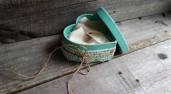 Hochzeit - Rustic Ring Bearer Heart Shaped Mint Green Box, Rustic Ring Bearer Pillow Alternative, Rustic Wedding Ring Holder, Rustic Wedding Decor